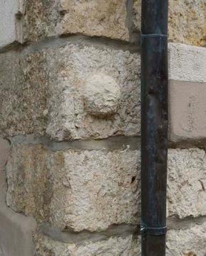 Maisons de pierre, Lutter