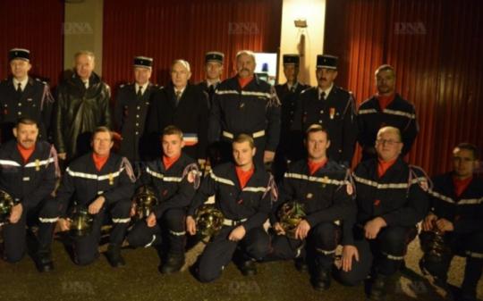 Sapeurs pompiers, Lutter